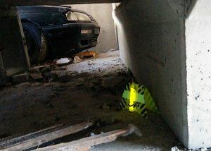 Markierung von Gefahrenzonen mit gelben SnaplLight mit Flash Up Ständer