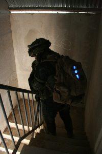 Militärische Identifizierung mit 15 cm Chemlight Leuchtstab in Blau