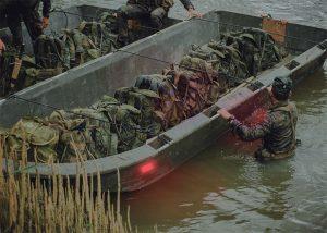 Roter Visipad zur Kennzeichnung von Booten auf See