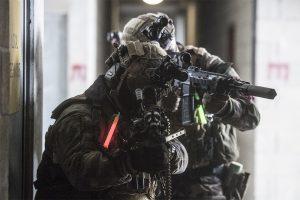 Militärische Identifizierung im Einsatz mit Farbcodes