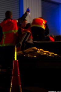 Kennzeichnung von Sammelstellen durch Rettungskräfte für die Opfer