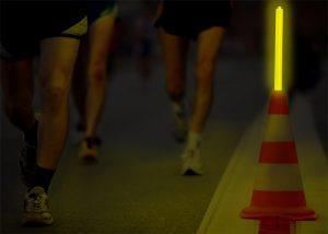 Kennzeichnung von Haltestellen und Routen bei Nachtrennen