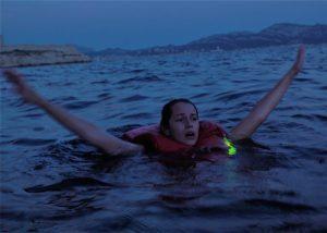 Leuchtmarkierung an jeder Schwimmweste im Wassersport