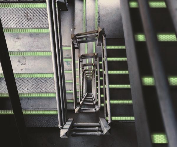 retro-reflektierenden und nachleuchtenden Bänder Markierung von Treppenkantenprofile