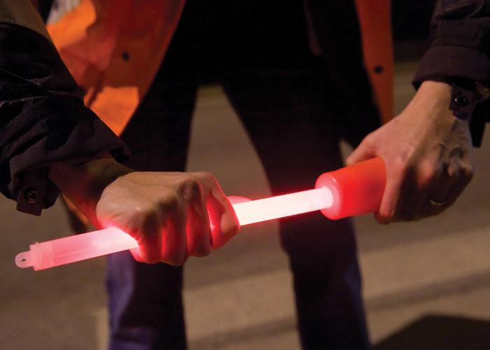 rote 40cm Leuchtstab mit Kegeladapter