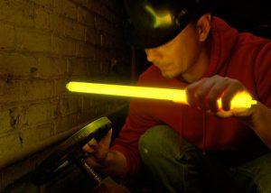 Beleuchtung in geschlossenen Systemen mit großem Leuchtstab