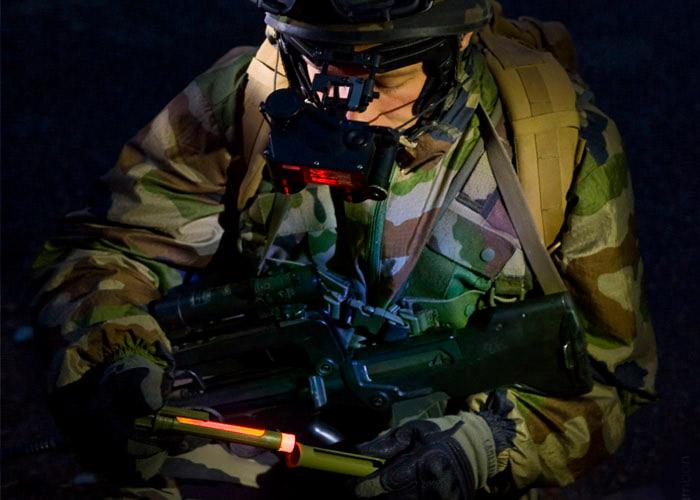 Taktische Hülle für 15cm Cyalume ChemLight Knicklicht Lichtintensität zu regulieren