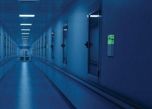 sofortiges Licht Evakuierung in Korridoren